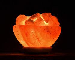Lampe de sel d'Himalaya - coupe/bol avec morceaux bruts